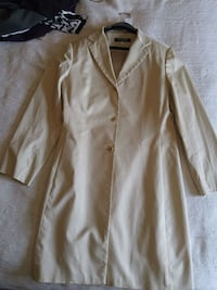 Sz 12 Beige coat Winnipeg, R2N 3A1