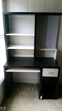 Ikea Desk  WILL DELIVER FOR SMALL FEE Lorton, 22079