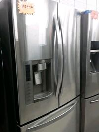 LG French door refrigerator in excellent condition