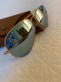Mirror Ray-Bans Toronto, M5V 2V8