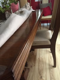 FREE /Dining table Hutch 6 chairs