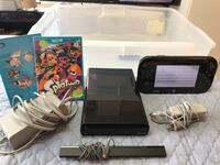 Nintendo Wii U 32gb in MINT Condiiton with Games!  522 km