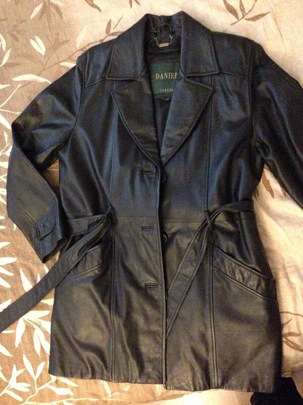 $130 OBO BNIB Danier Real Leather Jacket Size Small for Women, Vintage 0a766aac-be94-41fd-aaa5-a77875d85bac