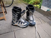 Size 10.5 snowboard boots North Vancouver, V7G 1X4