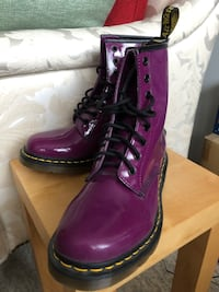 NEW Doc Martens Shiny Purple Size 8 Richmond, V6Y 2B6