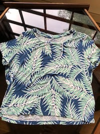 Tropical cropped T shirt JUNIORS XTRA-SMALL  Andover, 01810