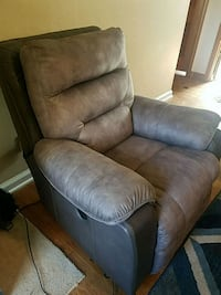 NFM Power Recliner/ rocker Omaha, 68107