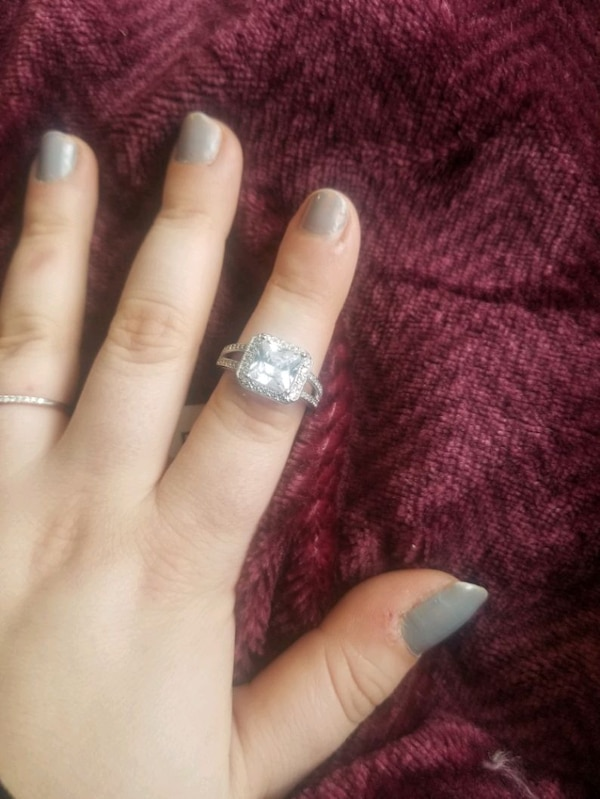 Charmed Aroma Ring  46540f57-53cc-416c-9a41-4a58d7f18708