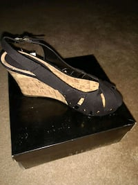 unpaired black and brown wedge sandals Orlando, 32826