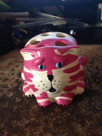 COLLECTIBLE BAG PUSS TOOTH BRUSH HOLDE Guildford