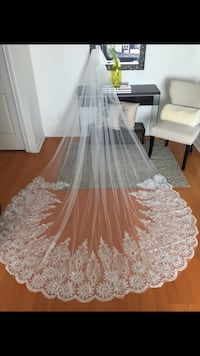 Gorgeous wedding veil 3 meters Toronto, M1P 5C5