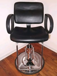 Barber Chair-Perfect Working Condition