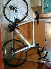 white and black road bike Bakersfield, 93308