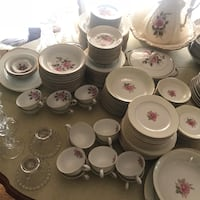 White-and-pink floral ceramic dinnerware set Los Angeles, 90047