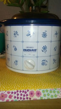 BLUE AND WHITE CROCKPOT Hollywood, 33020