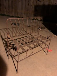 VINTAGE METAL BENCH. CHILD SIZE!! SERIOUS BUYERS ONLY !!!! Fresno, 93720