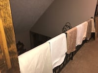 7 Round tablecloths 70 inches Rochester