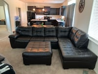 Large sectional w/ oversized ottoman Springfield, 97478