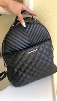I have this beautiful Aldo bag very spacious and great for fall don't miss out  trying to sale today  Orlando, 32808