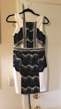 Black and white formal boutique dress sz m Mableton, 30126