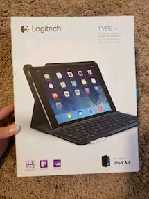 Logitech Ipad AIR Folio case w/bluetooth keyboard