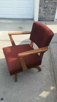 Small Brown mid century brown chair - it reclines  Edmonton, T6X 1G7