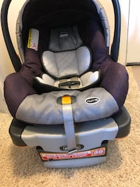 baby's black and gray Chicco car seat 36 km