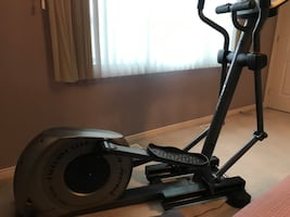 Proteus elliptical machine