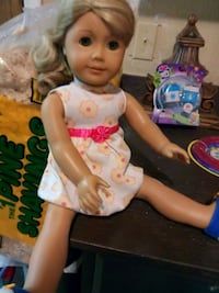 American Girl doll and 5 outfits Basehor, 66007