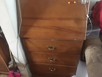 3 drawer desk in very good condition
