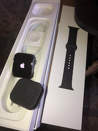 Apple Watch series 4 44mm Hyattsville