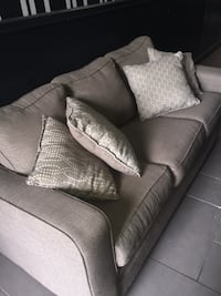 Super comfortable couch with throw pillows New York, 11249