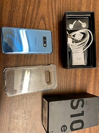Like new Samsung galaxy s10e AT&T unlocked meet up and cash only!