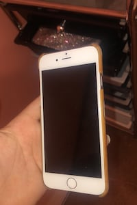 iPhone 6. Screen was just replaced. Great condition.