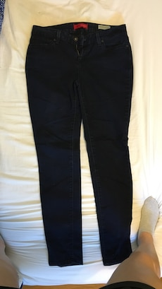Size 31 GUESS jeans