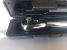 Husky Torque Wrench with Hard plastic case