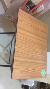 Brown wooden study table Bengaluru South, 560092