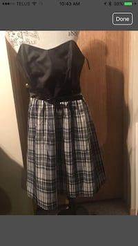 Women's black and gray plaid skirt strapless dress.