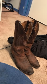 pair of brown leather wide-calf cowboy boots Toronto, M1C 2P9