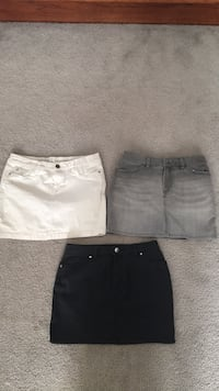 Jean skirts, 3 for 20 - worn once  Whitchurch-Stouffville, L4A 3S4