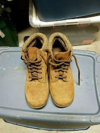Rugged outback Shoes 61/2 1374 mi