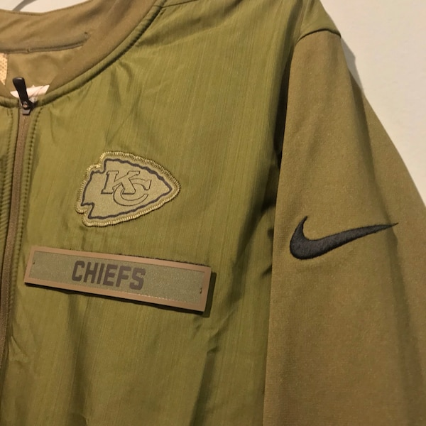 online store 91603 cdf92 Kansas City Chiefs Jacket Nike Salute To Service STS Hybrid M