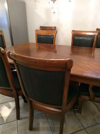 Formal dining set with table 8 chairs 2 leafs by c Las Vegas, 89156