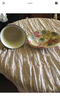 two round white ceramic bowls Bowie, 20715