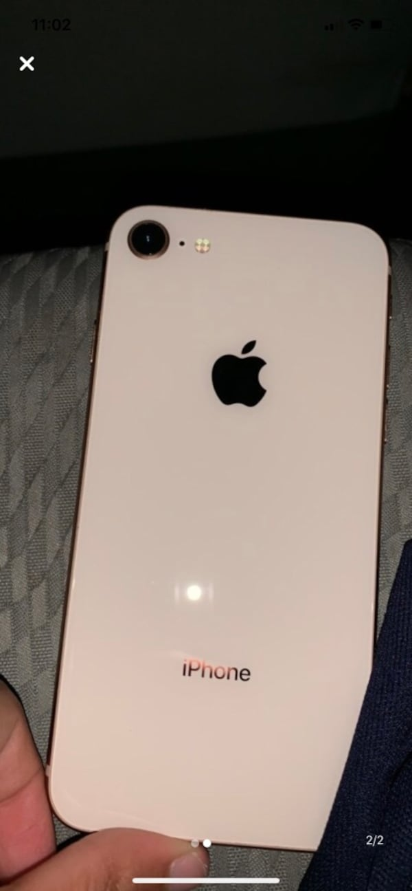 iPhone 8 great condition small scratch  a82a14ed-736d-482d-8ef3-37034e8dd3b0
