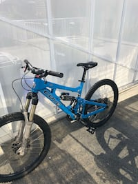 Beautiful hand made deep cove mountain bike Coquitlam, V3K