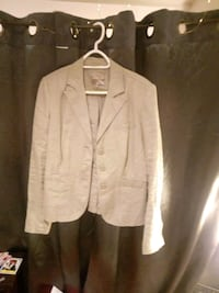 white notch lapel suit jacket Barrie, L4M 6S8