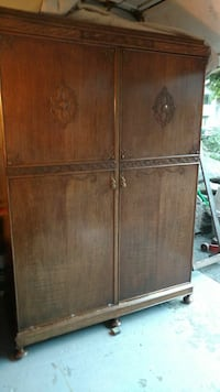 1900s gentleman's wardrobe closet Everett, 98208