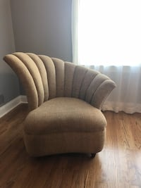 Elegant wing chair Toms River, 08753