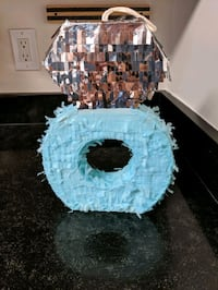 Engagement ring pinata  Vienna, 22181